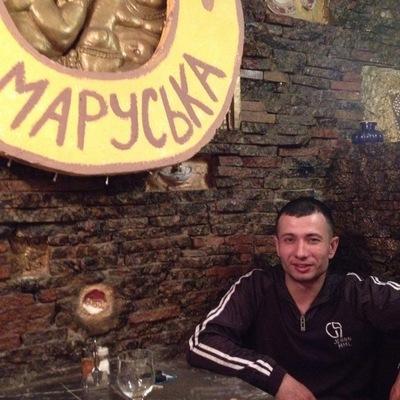 Антон Пономарев
