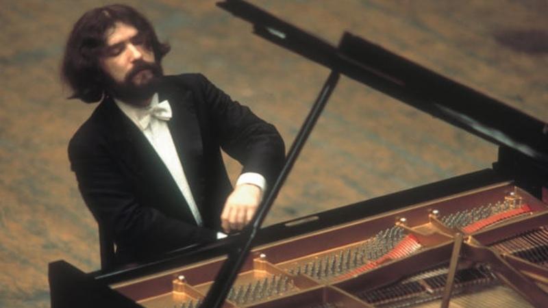 Mozart Piano Concerto no 25 Radu Lupu 1984