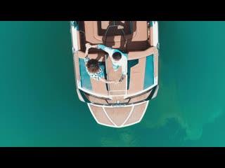 Bachata on the Boat! Жаркие танцы на катере в центре озера!