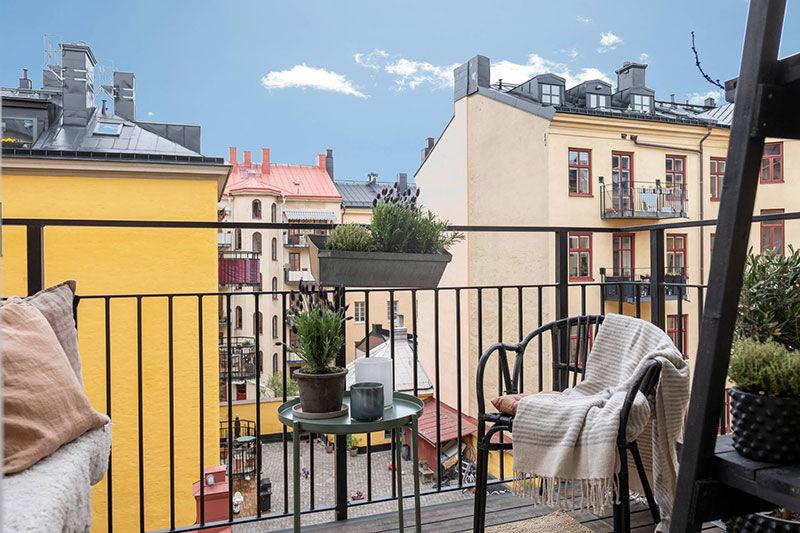 Светлая квартира с прохладной гостиной и тёплой спальней (75 кв.