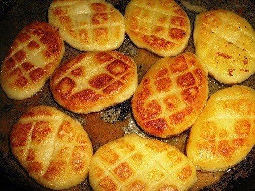 Картофельные биточки - пальчики проглотишь