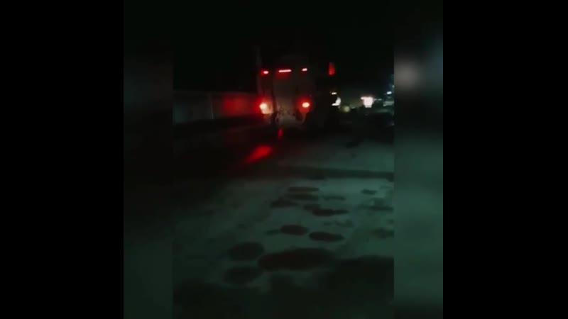 الخابور الحسكة مقطع مصور يرصد دخول أكثر من 20 عربة عسكرية تابعة للقوات الأمريكية إلى مدينة اليعربية شمال شرق الحسكة