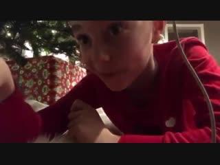 Решил снять Санту на скрытую камеру (VHS Video)