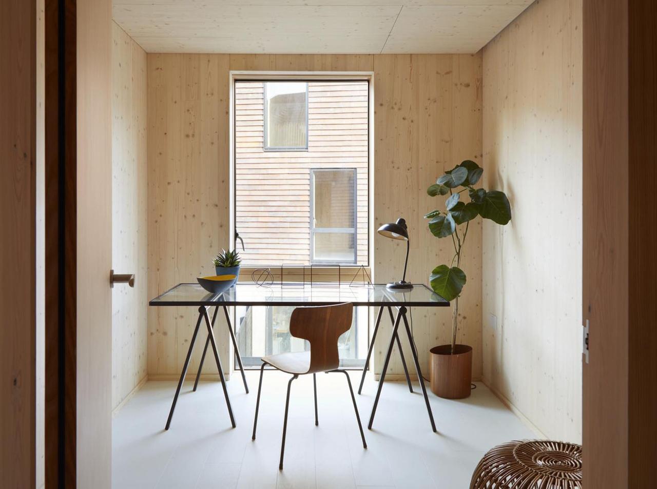 Tikari Works: два дома с деревянной отделкой в Лондоне