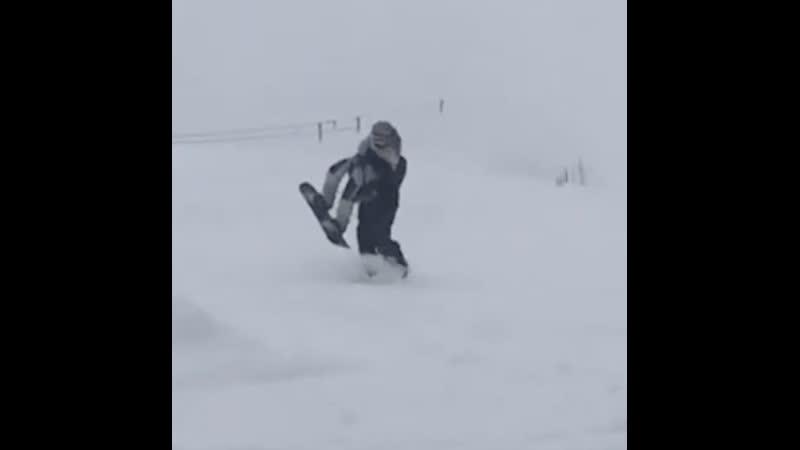 """Видео схода лавины на горнолыжную трассу Домбай"""" в КЧР"""