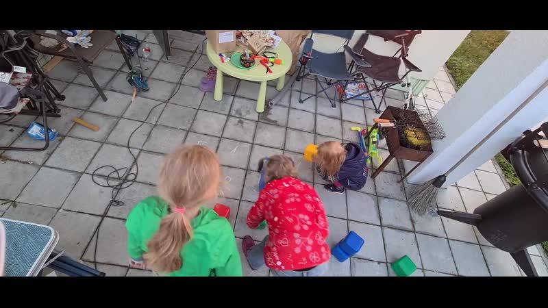 Игра в кубики Строим дом по числу этажей и цветовой гамме
