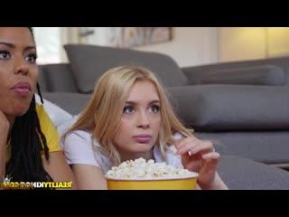 Kira Noir - Anastasia Knight - Парень развлекается подругу и знакомую мулатку межрасовым групповым порно