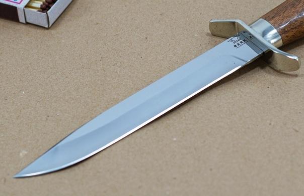 Ищете проверенного мастера по ножам Знаем такого! Разведчиков - профессионал в своем деле! Каждый его нож особенный и создан с душой.Больше 3000 отзывов на его от благодарных клиентов
