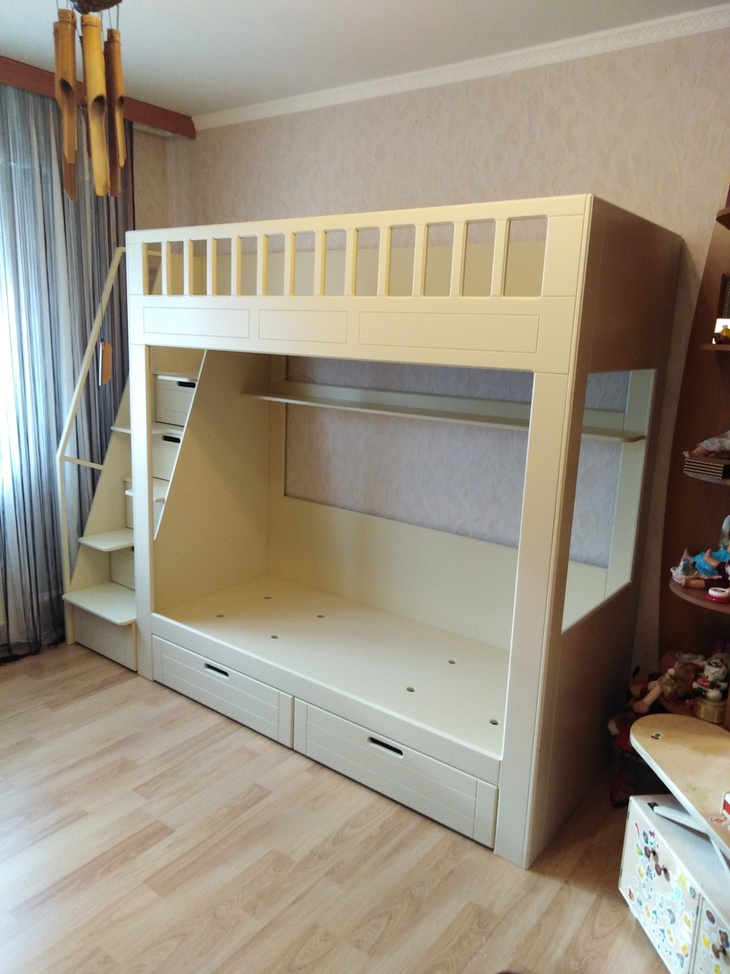 двухъярусная кровать из мебельной фанеры