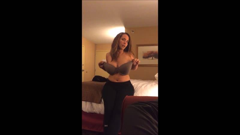 Девушка показала здоровые сиськи в Перископе не секс brazzers pornhub знакомства анал хентай домашнее студентка не секс braz