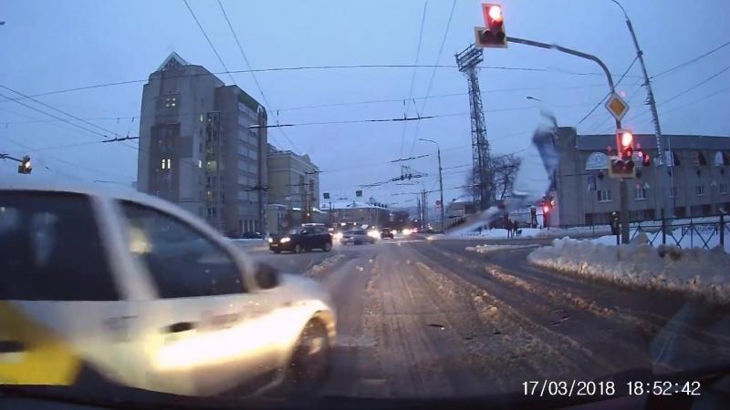 Яндекс.Такси в Белгороде очень спешит к пассажиру