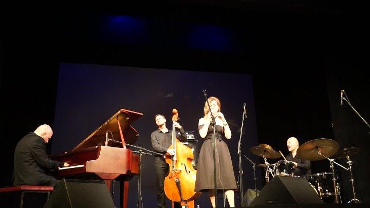 Jon Davis trio Кристина Ковалева. Старый клен. Н.Новгород 27.02.2017г - 00183