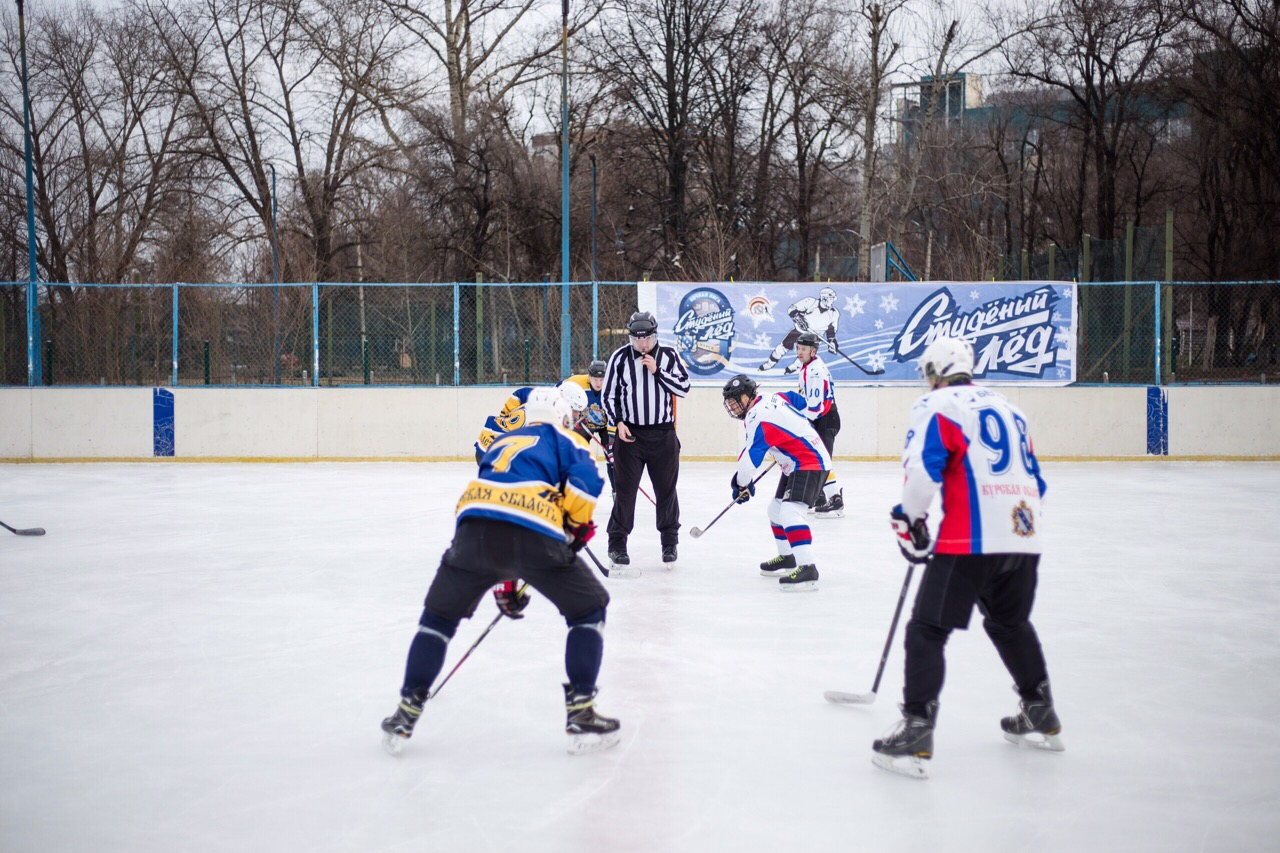 Мэрия Курска обыграла администрацию области на Рождественском турнире по хоккею