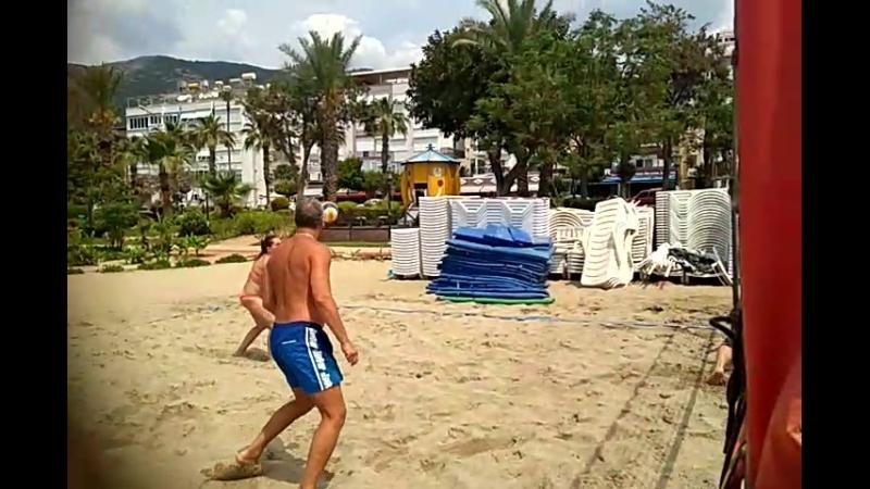 пляжку грают алания VID_20180426_121527