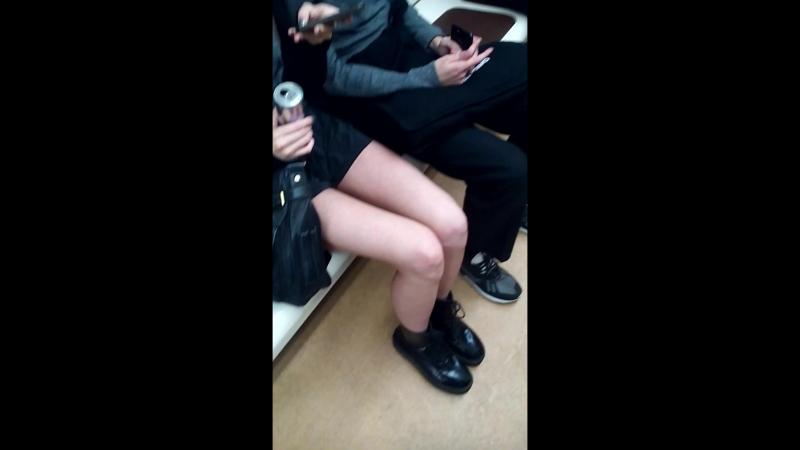 Голые ножки