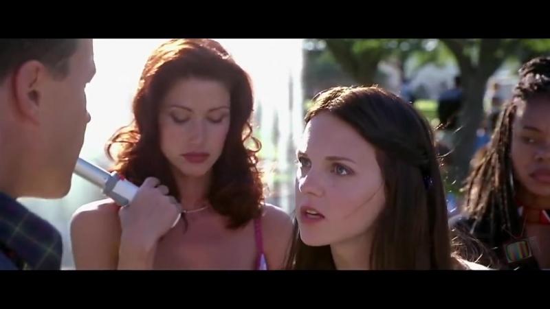 Грег угрожает друзьям - Очень страшное кино (2000) - Момент из фильма