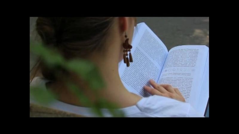 Жастар таңдайды - Молодежь предпочитает атты жобасына қатысушы Әйгерім Шер Әлі жастарды қазіргі заманауи кітапханаға дәстүрл