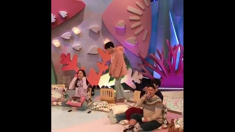 [FANTAKEN] 180121 The Recording of KBS Hello Counselor - 인피니트 Sungjong Dongwoo (cr : fff.lmh9)