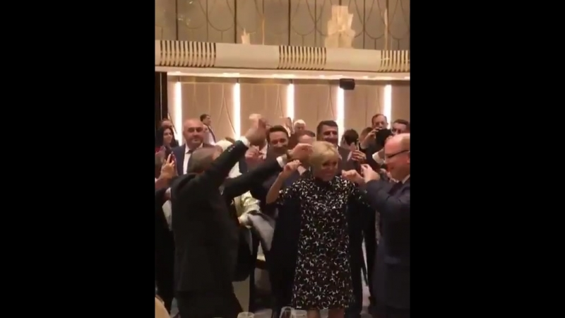Փաշինյանը, Մակրոնն ու Թրյուդոն շուրջպար են բռնել հայկական երաժշտության ներքո. Երևան, 11-ը հոկտեմբերի, 2018