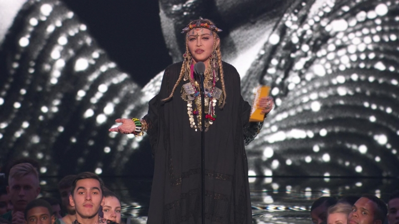 17.Madonna – tribute speech about Aretha Franklin Video of the Year(2018 VMAs,aug 20)(FEED-1080i-MPA2.0-@rt-v-k)-HDMania