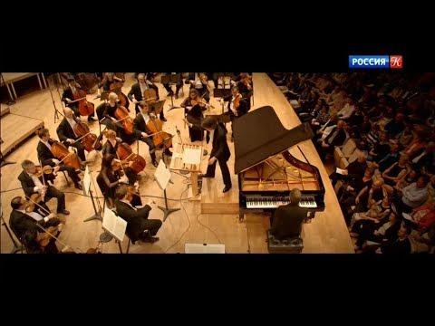 Piotr Anderszewski - Mozart: Piano Concerto No. 25 (Orchestre symphonique de Montréal, 2015)
