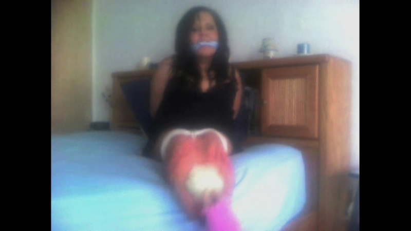 Queen Gagged Feet Tickle