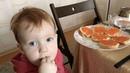 @levsergeich on Instagram Помните как Винни Пух пришёл в гости к кролику и съел весь мёд 😂Вот так и я пришёл на День Рождения к своей тёте Люде