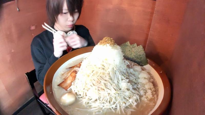 Знаменитый японский суп рамен