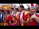 Испанские болельщики батл на площади Победы в Калининграде