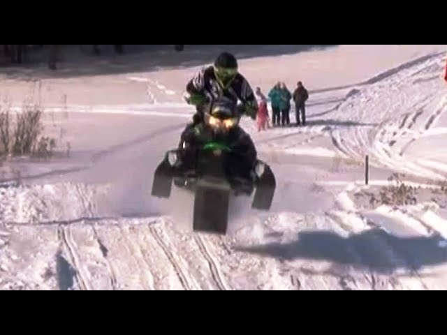 Чемпионат Пермского края по гонкам на снегоходах в Лысьве
