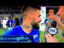 Rafael Sóbis amortece colisão traseira com torcedor cruzeirense em empolgante e afetuosa comemoração