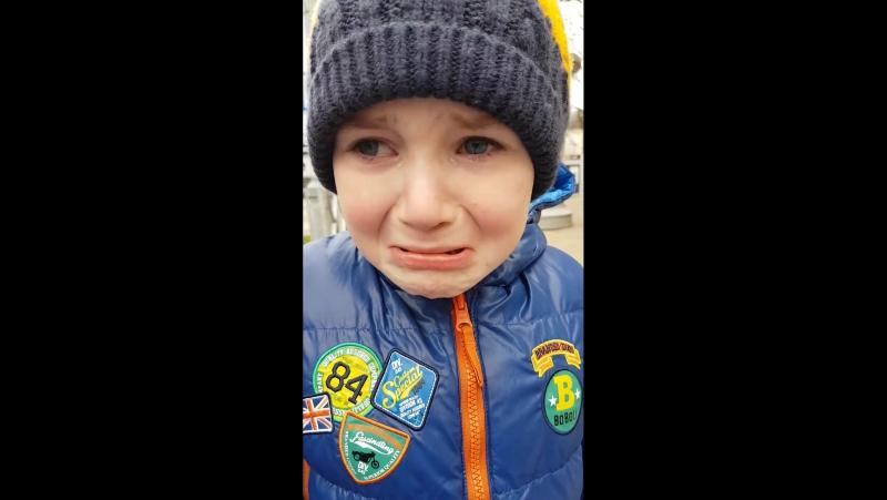 Первый школьник, который хочет обратно в школу. Краснодарский первоклассник расплакался из-за наступивших зимних каникул