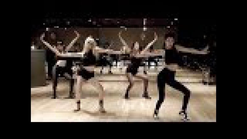BLACKPINK Choreography Practice Video Tops 4 MLN YouTube views (블랙핑크) [통통영상]