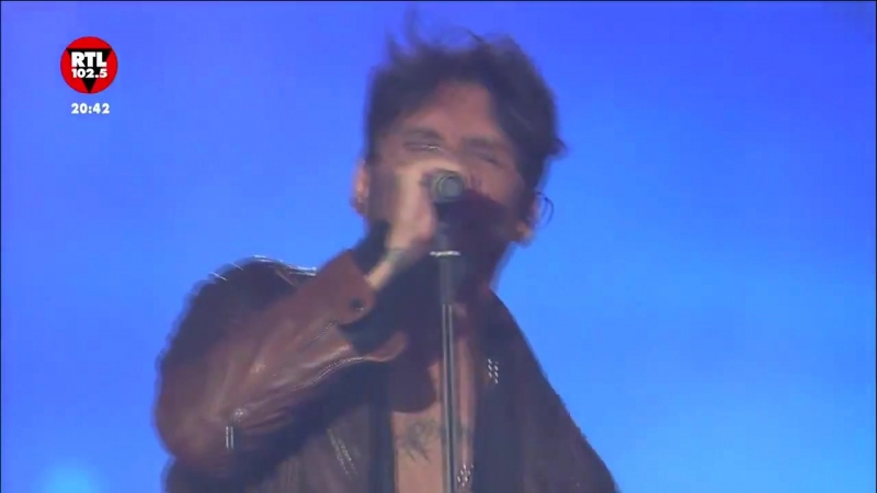 Fabrizio Moro e Ultimo L'eternità Il mio quartiere Power Hits Estate Arena di Verona 3 09 18 snippet
