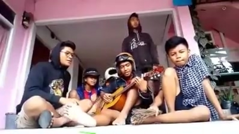 Lowcost band