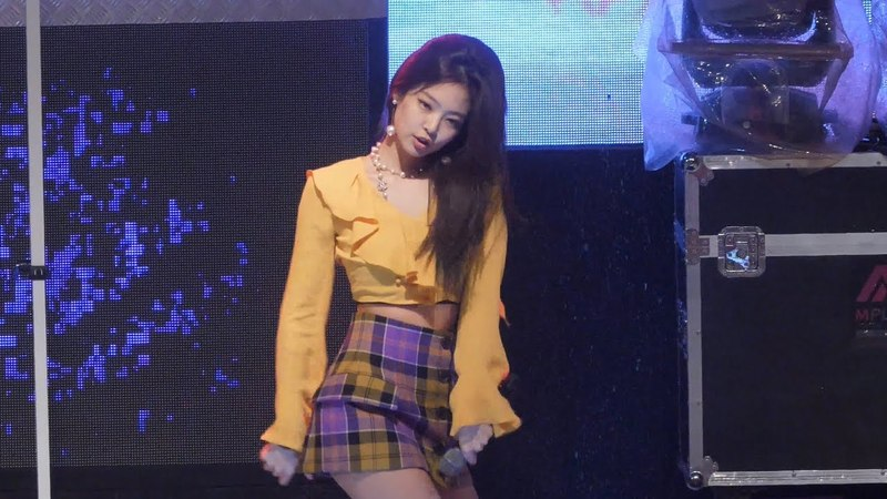 180516 블랙핑크 제니 '불장난' 4K 직캠 BLACKPINK Jennie fancam - PLAYING WITH FIRE (명지대 축제) by Spinel