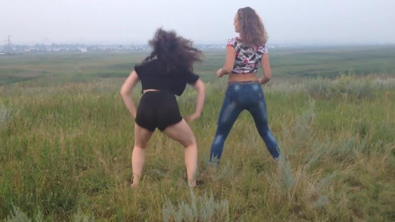 Девушки_классно_танцуют_тверк,_сексуальные_девушки,_попы,_топ_10,_Катя_Шошина,_природа.