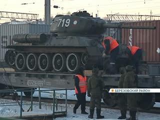 Эшелон Т-34 остановился под Красноярском: показываем встречу легендарных танков