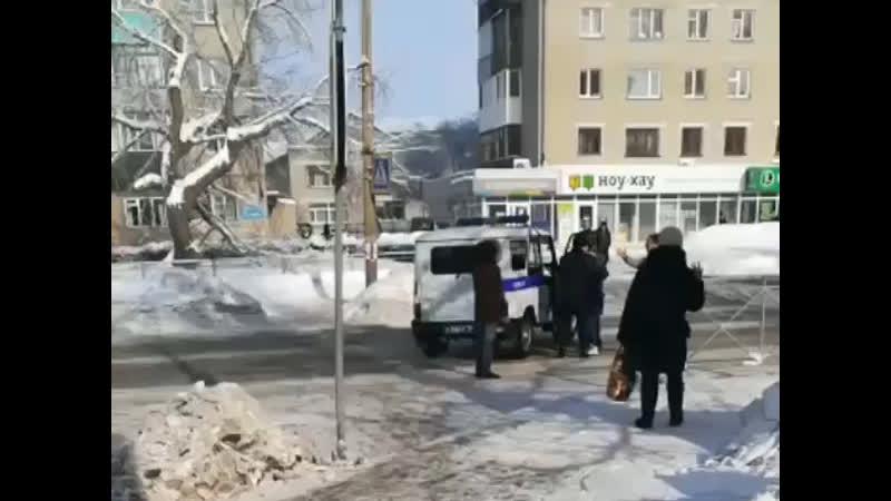 Полицейские сбили пешехода