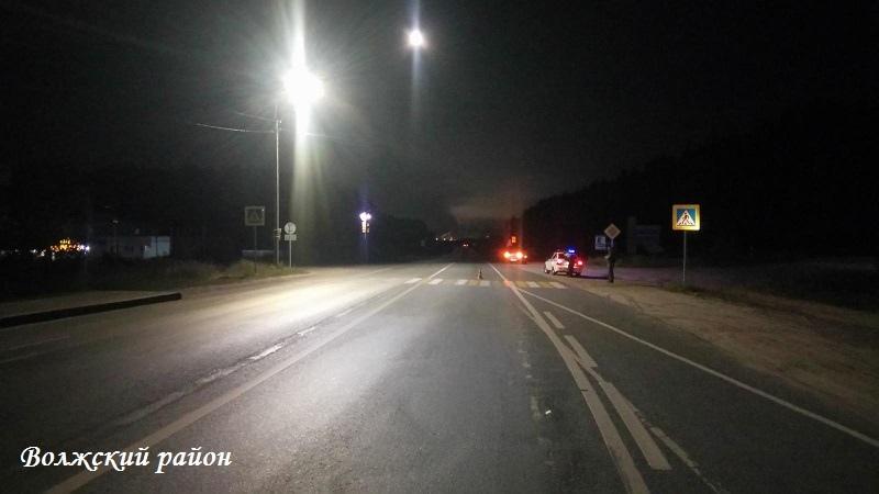 В Волжском районе автомобиль LADA Granta сбил женщину