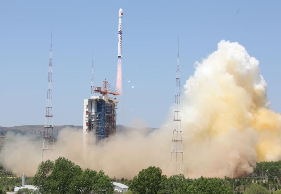 Китай возвращает в строй Long March 4 запустив Ziyuan-2D. Перевод с NSF.