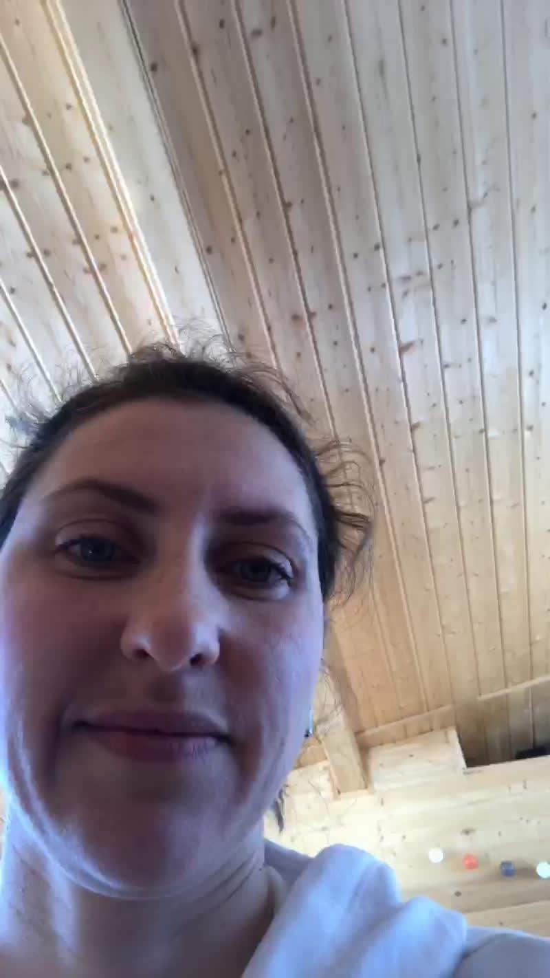 Практика йоги и медитации от Елены Сдобниковой в рамках тренировок от ROXY