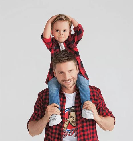 Сергей Лазарев принял отдать сына в обычный детский садик.