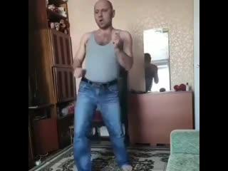 Танцы на карантине))