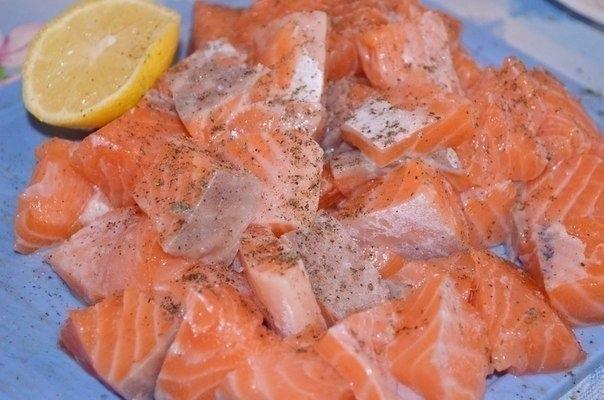 Семга в сливочно-чесночном соусе Ингредиенты:  Семга...