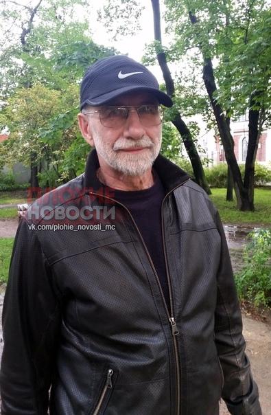 Петербуржский «Хатико» 66-летний Михаил Холостов, прибывший из Санкт-Петербурга в Мурманск, 27 июля приехал на парковку «Ловозерского ГОКа» и сказал, что хочет посетить Сейдозеро. Он ушел со