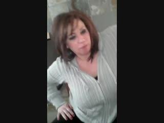 толстая мама отсосала член сыну мамка сосет инцест домашнее milf bbw suck fat mom