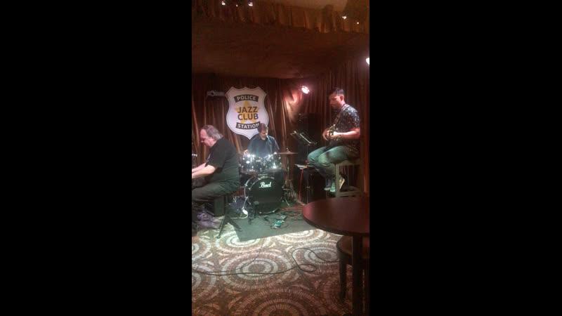 Live: JAZZ CLUB POLICE STATION
