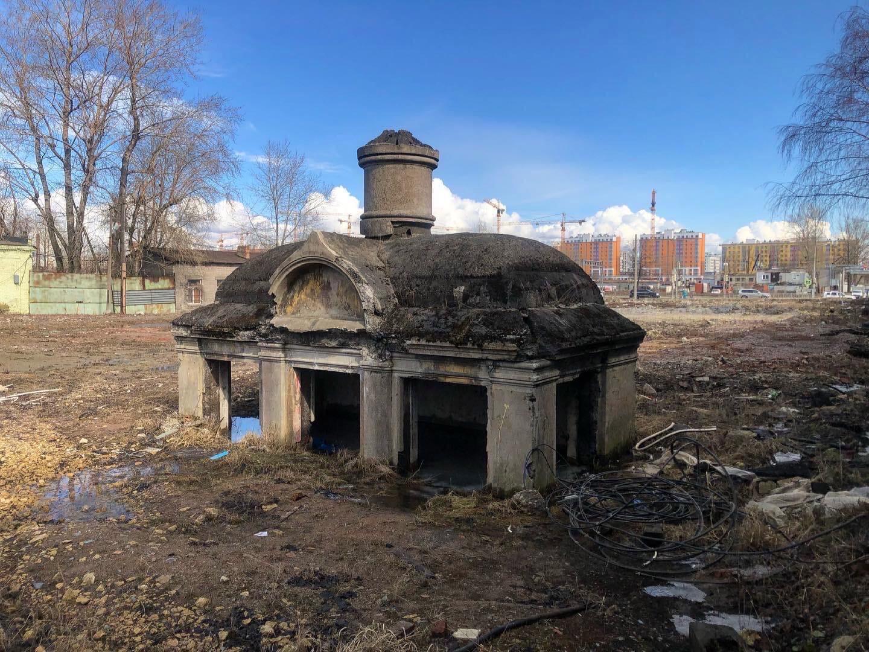«Склеп фрейлины» - последний сохранившийся склеп старого Митрофаньевского «холер - Фото