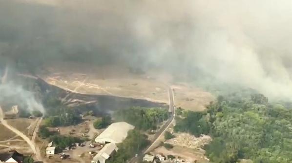 В Ростовской области загорелись около 20 дачных домов